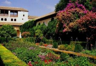 jardinesgeneralifeyurinapanoramio